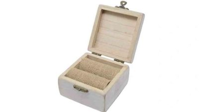 Caixa rectangular de fusta per les aliances