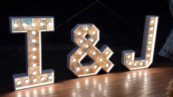 ramalaire wedding planner detalls de casament venda o lloguer de productes lletres de llum personalitzades