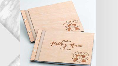 Llibre de firmes personalitzat de fusta
