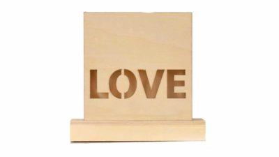 "cartell amb llum ""love"""