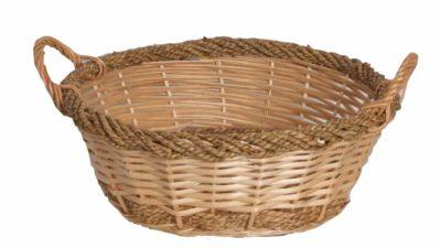 cistell de canya amb corda