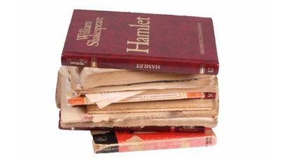 pila de llibres antics