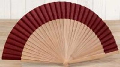 ventall fusta natural i tela granate